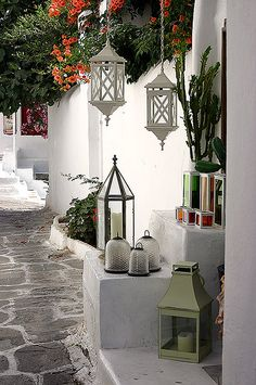 exterior paint colors for mediterranean homes Hanging Lanterns, Decor, Interior, Outdoor Design, Mediterranean Decor, Interior And Exterior, Outdoor Living, Greek Decor, Home Decor