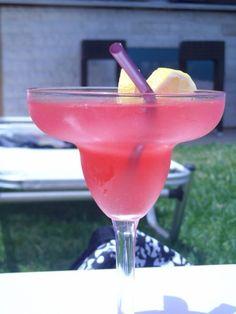 Bad strawberry daiquiri Daiquiri, Margarita, Strawberry, Drinks, Tableware, Glass, Food, Drinking, Beverages