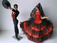 flamenco dancers in spain - as a little girl. I wasn't much into dolls, though I had set very similar to this set next to my bed. Spanish Dress, Spanish Dancer, Outfits For Spain, Barbie Costume, Dancing Dolls, Diy Barbie Clothes, Flamenco Dancers, Tribal Belly Dance, Ballroom Dance Dresses