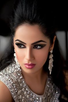 Your Love Story: Bridal Makeup: Nasreen Khan Makeup Artist