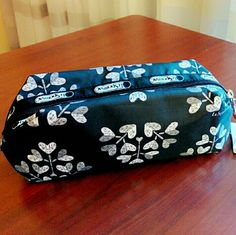 """19✂LeSportsac Cosmetic Case2xHP PRICE IS FIRM!! (Seeon TITLE) This is the lowest I can do!! Trying to DOWNSIZE Make me an offer, it's YOURS! ➖➖➖➖➖➖➖➖➖➖➖➖➖  ✨N-W-T✨ Never been used before.   ⏩A sleek zip closure secures this beautiful compact pouch ⏩Perfect for pencil case, makeup pouch, etc ⏩Featuring black and white color combination. Super chic and versatile! ⏩Adorable heart design. So cute! ⏩Ample room, has SO much space inside!   Measurements (approximate) 8.5'' x 3.75"""" LeSportsac Bags…"""
