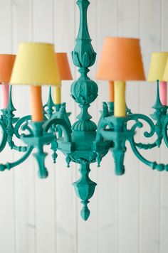 Circa Who Furniture Painted Chandelier, Chandelier Makeover, Chandelier Lamp, Chandeliers, Chalk Paint Furniture, Diy Furniture, Painting Light Fixtures, Diy Room Decor, Home Decor