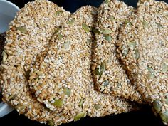 crackers crus multigraines by gastronomades Raw Food Recipes, Vegetarian Recipes, Vegan Kitchen, Some Recipe, Peanut Butter Cookies, Granola, Brunch, Healthy Eating, Snacks
