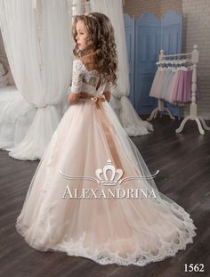 Alexandrina - 1562 - Robe à fleurs, Girls Communion Dresses, Girls Pageant Dresses, Girls Formal Dresses, Wedding Dresses For Girls, Birthday Dresses, Kid Dresses, Flower Girl Dresses Country, Little Girl Dresses, Flower Dresses