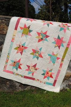 Beginner Quilt pattern. This listing is for the PDF version of this pattern. After payment, Etsy will supply you with a link to download this pattern.! This is a great pattern because you dont have to match up any seams to make your stars. You can use 1 Layer Cake, Fat Quarters or scraps. It works with just about any type of fabric. The contrast is striking and makes this quilt a real eye catcher. affiliate link.