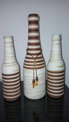 Anyone who is used to the world of crafts knows: some items that we usually discard after use can be great decorative pieces. An example of this are Use Of Bottle, Diy Bottle, Wine Bottle Crafts, Bottle Art, Bottles And Jars, Glass Bottles, Arts And Crafts, Paper Crafts, Diy Crafts