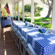 Sunday brunch with blue gingham tablecloths under the porch Gingham Wedding, Gingham Party, Blue Gingham, Blue Wedding, Porch Brunch, Engagement Brunch, Gingham Tablecloth, Rehearsal Dinner Decorations, Sunshine Baby Showers
