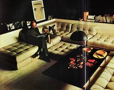 Great sectional sofa - 'The Complete Book of Decorating' 1980 by Corinne Benicka Interior Architecture, Interior And Exterior, Vintage Architecture, Residential Architecture, 70s Decor, Interior Decorating, Interior Design, Decorating Ideas, Decor Ideas