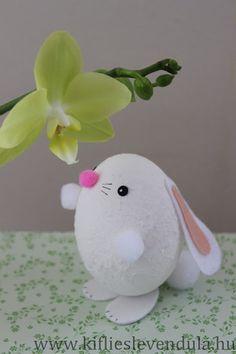 Kifli és levendula: Nyuszi tojásból