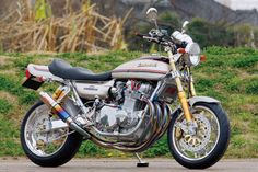 Kawasaki Z1 900 No.013 by Bull Dock