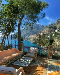 Fim de tarde...   #positano#amalficoast#coastamalfitana#italy#italia#villatreville#nellacasadiro  @villatreville www.villatreville.com