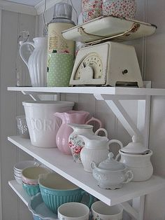 Vintage Kitchen Dishes Arrangement inspiration! I especially love the scale.