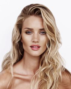 Nuances de blond : Real Beauty: 5 Minutes With Rosie Huntington-Whiteley