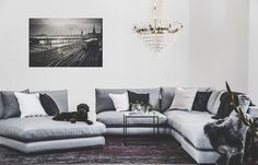 Mammuten hörn plus loveseat Decoration, Cribs, Love Seat, Villa, New Homes, Couch, Living Room, Inspiration, Furniture