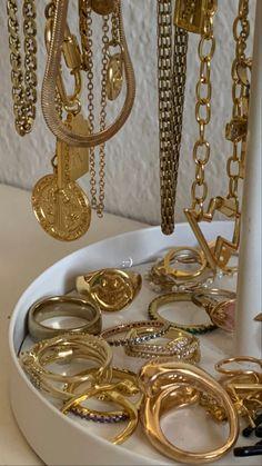 Funky Jewelry, Trendy Jewelry, Cute Jewelry, Luxury Jewelry, Jewelry Trends, Gold Jewelry, Jewelry Accessories, Fashion Accessories, Fashion Jewelry