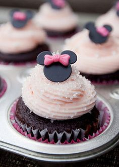 *Attn Erika - b/c I saw your previous Minnie Mouse pins! Mini Minnie Mouse Cupcake Fondant Toppers, from ClaudiaCupcakeLady.etsy.com $9 for 12