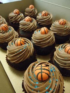 Basketball cupcakes for NCAA tournament - make basketballs out of mini nilla wafers dipped in white chocolate (with orange food coloring) and piped lines Basketball Cupcakes, Basketball Birthday Parties, Basketball Tips, Basketball Jersey, Kid Cupcakes, Themed Cupcakes, Cupcake Party, Cupcake Cakes, Cupcake Ideas