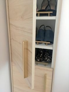 A classy tall shoe cabinet to fit small entryways - IKEA Hackers - - I fell in love with a shoe cabinet tall and narrow from Restoration Hardware that they stopped making so I decided to make something similar. Shoe Cabinet Entryway, Ikea Entryway, Entryway Furniture, Diy Furniture, Tall Cabinet Storage, Shoe Storage, Small Shoe Cabinet, Furniture Vintage, Rustic Furniture