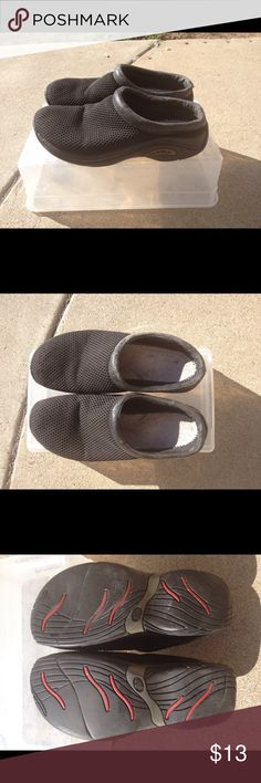 Merrell Slip On  Slides Black 7.5 Mesh Style Merrell Slip On Slide Shoes Mesh like extrior  7.5 Black Condition is moderately used. Check photos to Wear on the bottoms.  I took out the insoles. You can replace with your own.  Lots of life left  Ask me any questions! Merrell Shoes