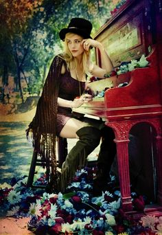 would love to do like pianos in austin and paint one up and do a photoshoot with sammie in an open field or wooded area.
