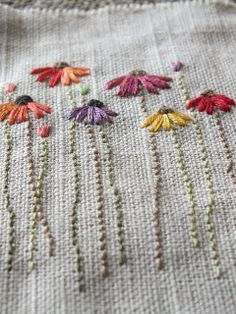 Wonderful Ribbon Embroidery Flowers by Hand Ideas. Enchanting Ribbon Embroidery Flowers by Hand Ideas. Basic Embroidery Stitches, Simple Embroidery, Silk Ribbon Embroidery, Crewel Embroidery, Hand Embroidery Patterns, Embroidery Techniques, Cross Stitch Embroidery, Floral Embroidery, Hand Embroidery Flowers