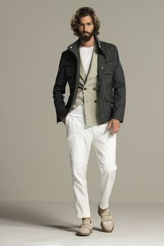 See the complete Brunello Cucinelli Spring 2016 Menswear collection.