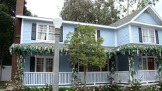 Another Wisteria Lane house