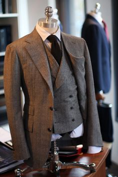 Suit Fashion, Look Fashion, Mens Fashion, Sharp Dressed Man, Well Dressed Men, Double Breasted Waistcoat, Tailored Suits, Suit And Tie, Gentleman Style