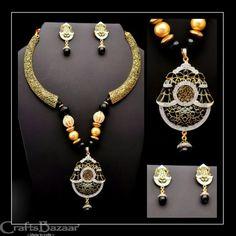 Artisan, Beaded Necklace, Diamond, Jewelry, Craftsman, Jewellery Making, Jewerly, Beaded Necklaces, Diamonds