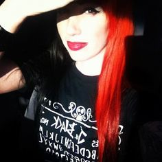 Ash Costello // I love her hair. I may do this style hair soon.