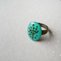 Elderberry Sambucus turquoise mini oval ring - antique bronze - #handmade #botanical #gift #resinring Pressed flowers,real flower jewelry