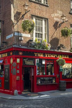 Temple Bar, Dublin, Ireland. © Brian Jannsen Photography