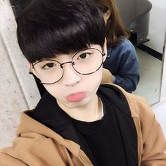 Ulzzang - Ulzzang boys - Page 2 - Wattpad Korean Boys Hot, Korean Boys Ulzzang, Ulzzang Couple, Ulzzang Boy, Korean Men, Korean Girl, Korean Couple, Cute Asian Guys, Pretty Asian