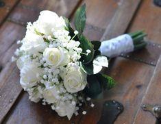 Ideas Wedding Flowers Gypsophila Roses Babies Breath Bouquet For 2019 Boho Wedding Bouquet, White Wedding Bouquets, Bride Bouquets, Wedding White, Bridesmaid Bouquets, White Rose Bouquet, Wedding Shoes, Irish Wedding, Wedding Boquette