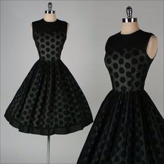 Imagen vía We Heart It https://weheartit.com/entry/165584772 #50s #black #classy #cute #dress #etsy #fashion #lovely #polkadots #retro #style #vintage
