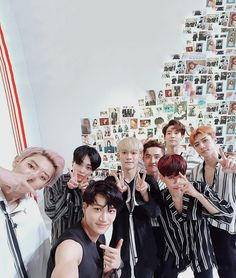 Find images and videos about kpop, exo and baekhyun on We Heart It - the app to get lost in what you love. Baekhyun, Park Chanyeol, Exo Ot12, Chanbaek, K Pop, Exo Album, Exo Lockscreen, Exo Korean, Korean Idols