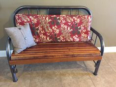 35 Ideas for antique wood bench bed frames Shabby Chic Bedding Sets, Rustic Bedding, Bedding Decor, Boho Bedding, Luxury Bedding, Bed Frame Bench, Headboard Benches, Refurbished Furniture, Repurposed Furniture