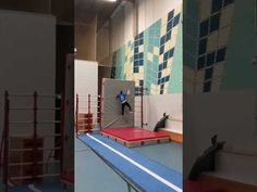 Freerunning go up the wall - YouTube