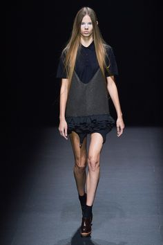 Vera Wang Spring 2020 Ready-to-Wear Fashion Show - Vogue Vogue Paris, Vera Wang Bridal, Pink Wedding Dresses, Fashion Show Collection, Mannequins, Beautiful Outfits, Catwalk, Ready To Wear, Spring Summer