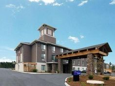 Boone (NC) Sleep Inn United States, North America Stop at Sleep Inn to discover the wonders of Boone (NC). The property features a wide range of facilities to make your stay a pleasant experience. To be found at the hotel are free Wi-Fi in all rooms, 24-hour front desk, car park. Television LCD/plasma screen, wake-up service, alarm clock, telephone, internet access – LAN (complimentary) can be found in selected guestrooms. The hotel offers various recreational opportunities. S...