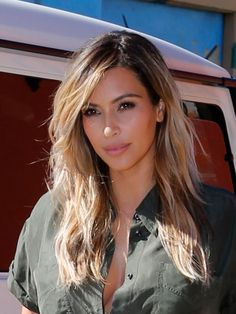 Kim Kardashian's Blonde Hair - Fall Hair color. I am not a kim fan and i do not like anything about kanye, but i do like her hair like this.