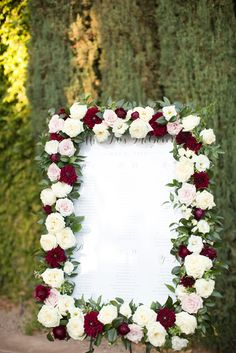 Look at this amazing frame to welcome guests! Such a beautiful balance of classic colors. Perfect for any season!  View the full wedding here: http://thedailywedding.com/2015/11/16/fun-arizona-resort-wedding-jena-chris/