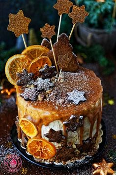 Piernikowy tort na winie Recipe: gingerbread cake on wine. A delicious cake . Food Cakes, Cupcake Cakes, Winter Torte, Christmas Cake Designs, Cake Recipes, Dessert Recipes, Gingerbread Cake, Holiday Cakes, Christmas Baking