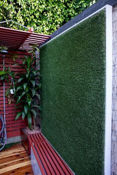 artificial Turf on a wall = Vertical Lawn silly and clever Landscape Focused: landscape, garden design ideas Backyard Patio, Backyard Landscaping, Landscaping Design, Outdoor Patio Designs, Patio Ideas, Backyard Ideas, Vertical Vegetable Gardens, Patio Seating, Seating Areas