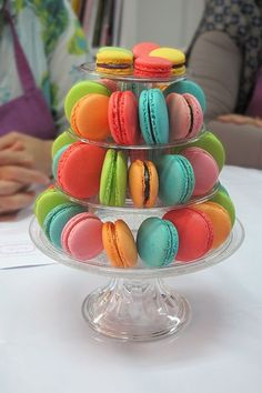 To be Gourmet: macarons paso a paso Delicious Desserts, Dessert Recipes, Yummy Food, French Macaroons, Sweet Bar, Sin Gluten, Cakes And More, Dessert Table, Eat Cake
