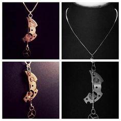 UnikT halsband tillverkaT av gamla klockdelar. Steampunk. CARL LIND URDESIGN
