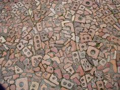 Textures Broken bits and pieces of brick normally discarded are recycled into an interesting path.Broken bits and pieces of brick normally discarded are recycled into an interesting path. Brick Walkway, Brick Paving, Brick Path, Brick And Stone, Brick Walls, Mosaic Tile Fireplace, Slate Patio, Recycled Brick, Brick Texture