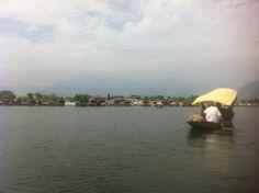 Dal Lake in Srinagar, Jammu and Kashmīr