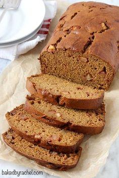 Moist spiced pumpkin apple bread - a perfect loaf for breakfast, snack or dinner! #pumpkin #fallbaking #recipe