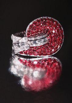 Van Cleef & Arpels Jewelry by Clive Kandel, via Flickr